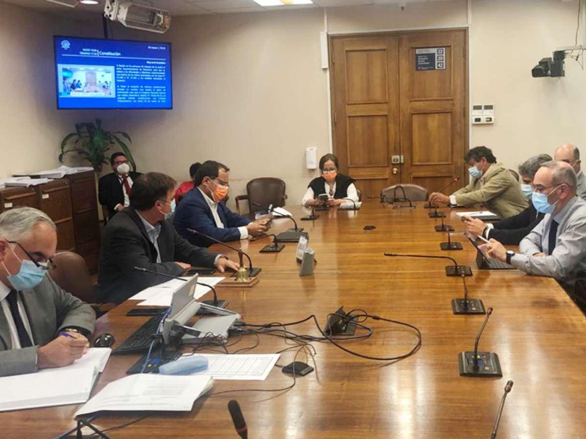 Comisión de Constitución analizó pagos pendientes por retiros de fondos previsionales