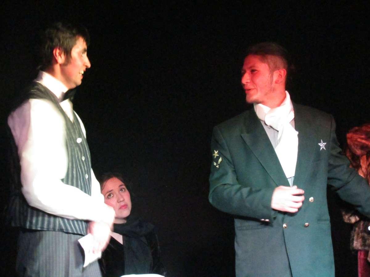 Elenco de actores de la Escuela Artística conmemora a distancia el Día del Teatro