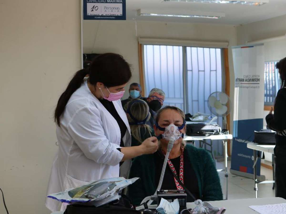 Hospital de Chillán entregó dispositivos para tratar la apnea del sueño