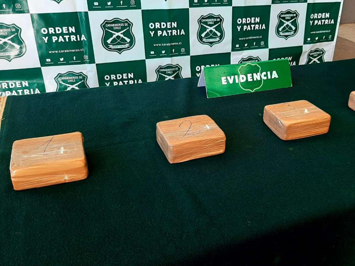 Carabineros del OS7 Ñuble incautaron más de 5 kilos de cocaína en control carretero en Pemuco
