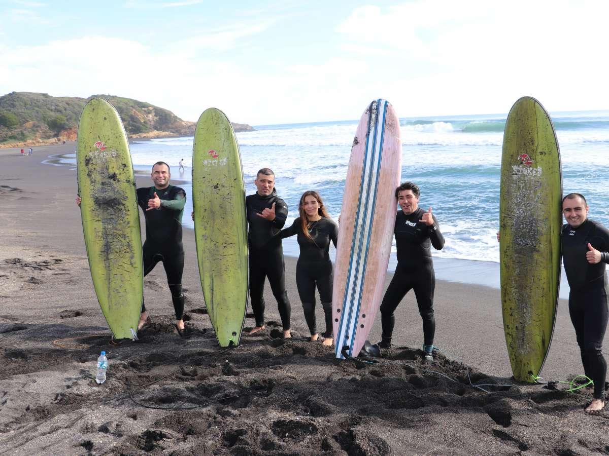 Autoridades deportivas visitan Club de Surf Rinconada