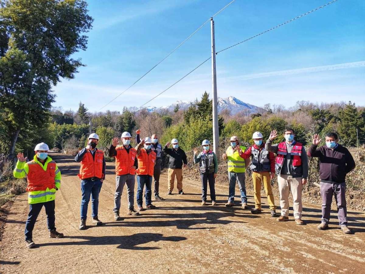 Con trabajadores locales avanza pavimentación de más de 12 km en San Fabián
