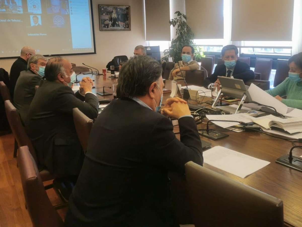 Comisión de Hacienda rechazó rebaja del 50% del impuesto específico a los combustibles