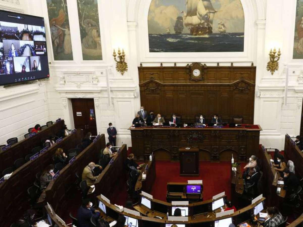 """Poner límite a la """"abstención"""" generó debate en la comisión de Reglamento de la CC"""