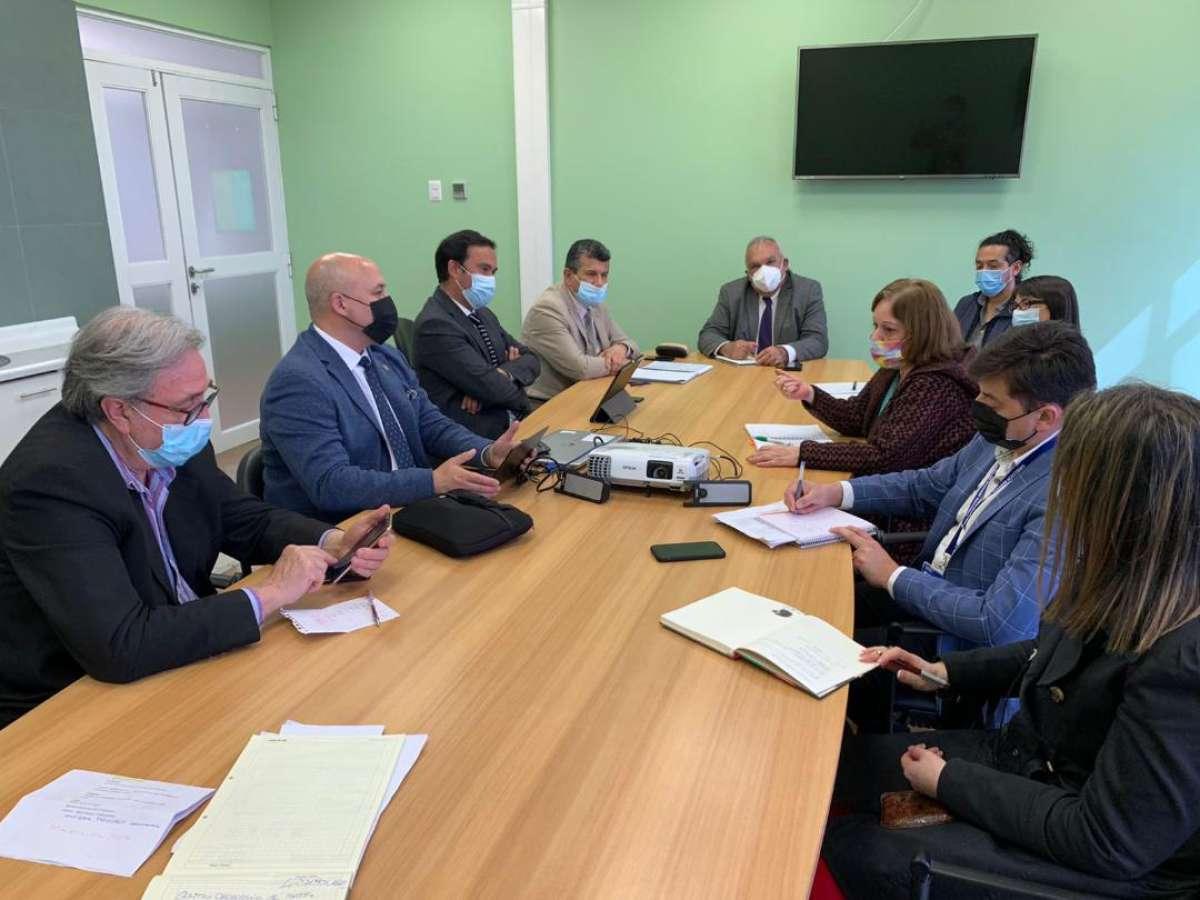 Gobernador Crisóstomo visita centro oncológico de Antofagasta para replicar modelo en ñuble