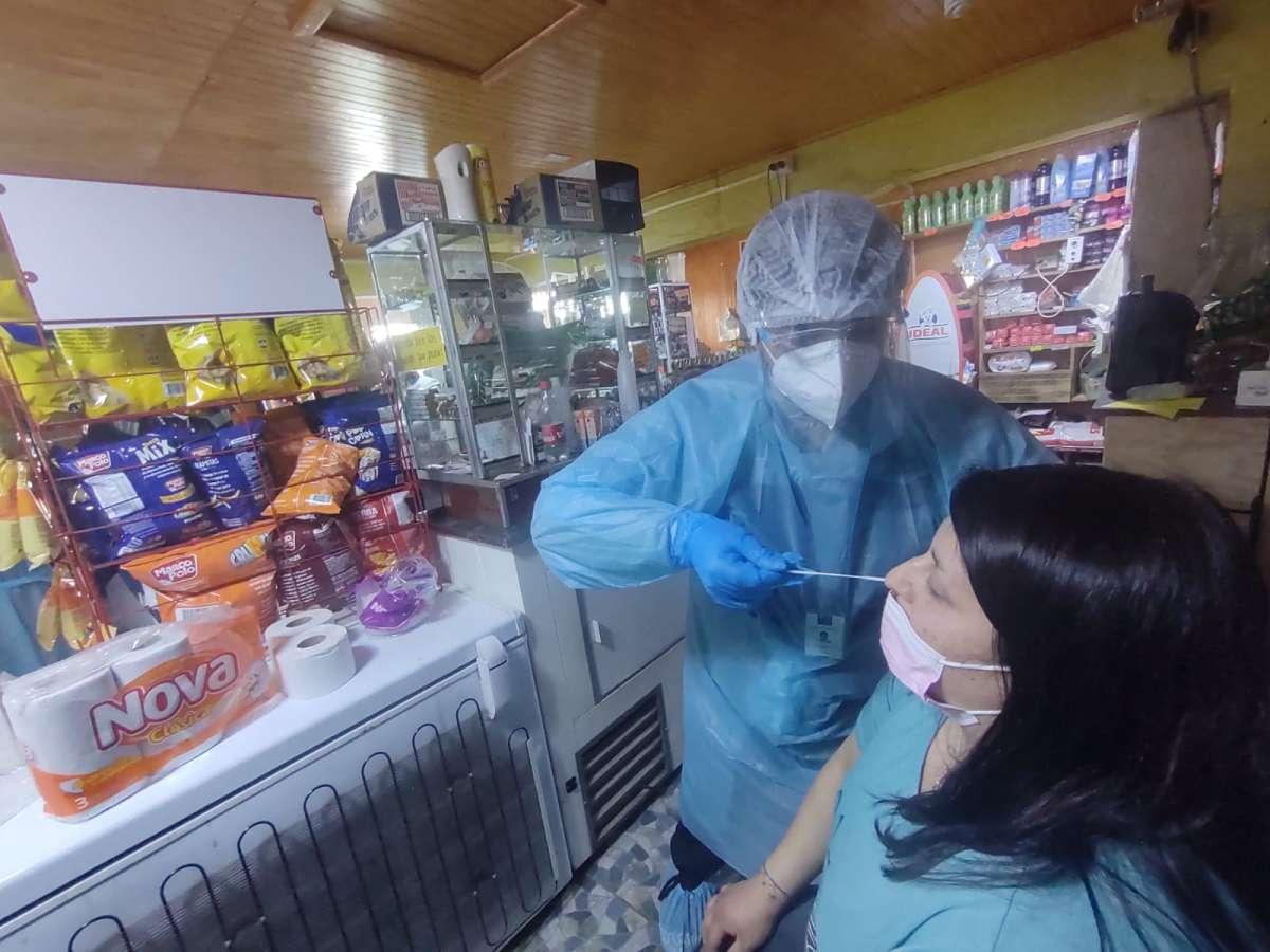 Seremi de Salud refuerza testeos en zonas de brotes en Cobquecura y Bulnes