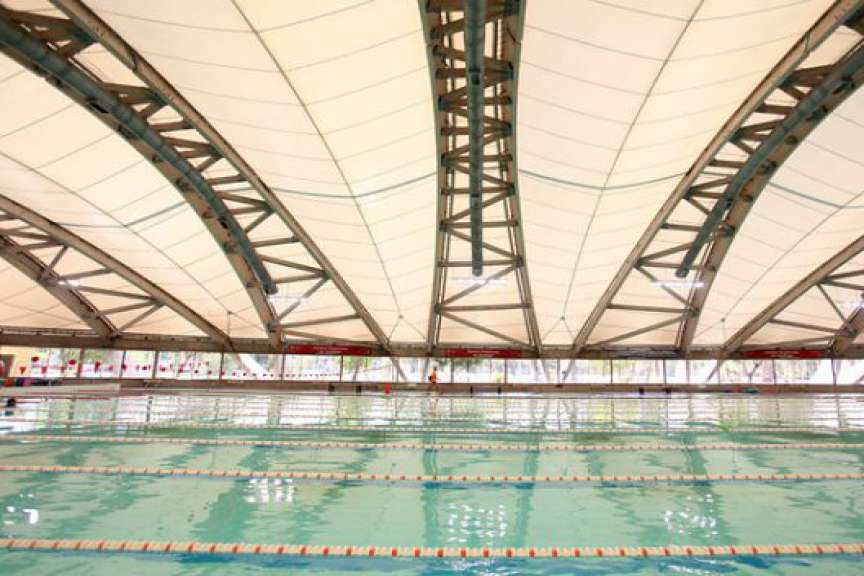 Alcalde critica postergación para construir piscina temperada en Chillán Viejo